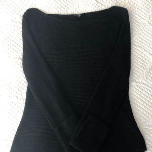 EXPRESS Hi-Low Black Ribbed Sweater 🍁